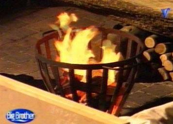 Vuurkorf valt om